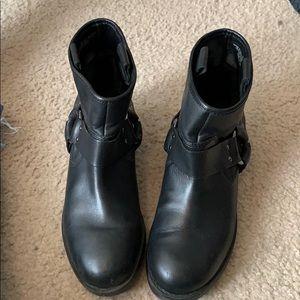 Silence + Noise boots